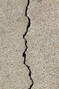 10-Fast-Set-Concrete-Foundation-Crack-Repair-Kit-Our-Most-Popular-DIY-Concrete-Crack-Repair-Kit-0-1